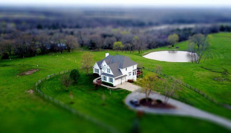 Znalezione obrazy dla zapytania dom na wsi